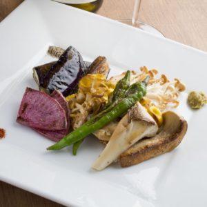 品川で素材の美味しさを堪能できる<焼き野菜>