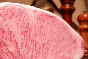 品川の鉄板焼きダイニング【円居-MADOy-品川】のサーロインステーキ